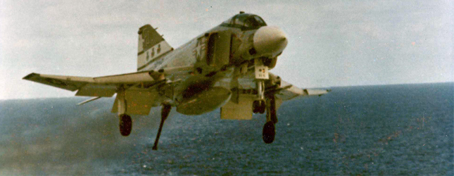 plane landing carrier